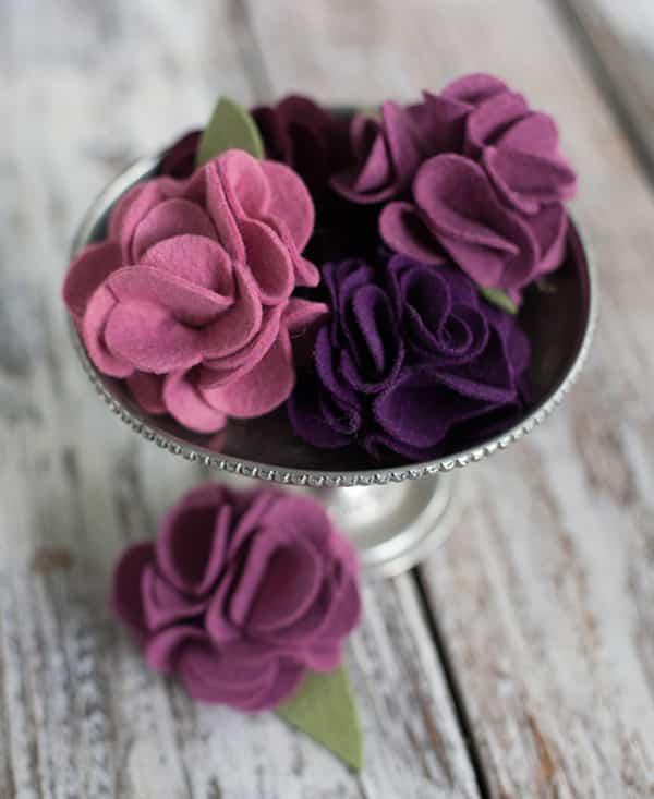 Làm hoa đẹp từ vải vụn