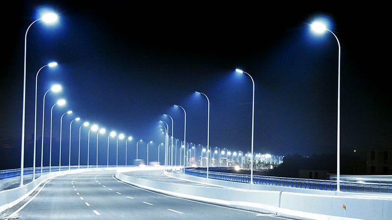 Đèn đường thắp sáng mọi ngóc ngách